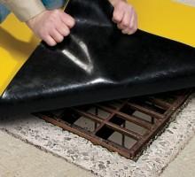 바닥에 완전히 밀착되어 화학물의 배수로유입 차단합성비닐로 파손이 없으며 영구적인 유연성 보장사용시 배수구 크기보다 최소 8cm 이상의 크기 사용예상제품 수명 5년